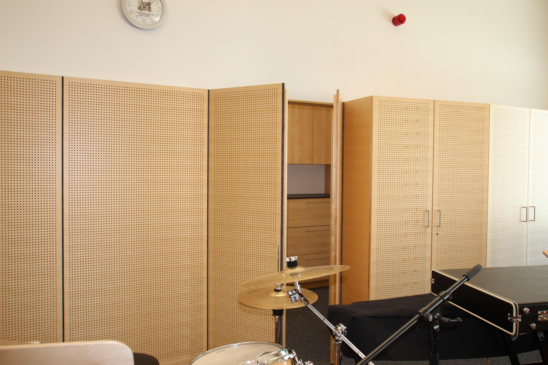 Musikproberaum-Nussdorf_3_Staenderwandtuer