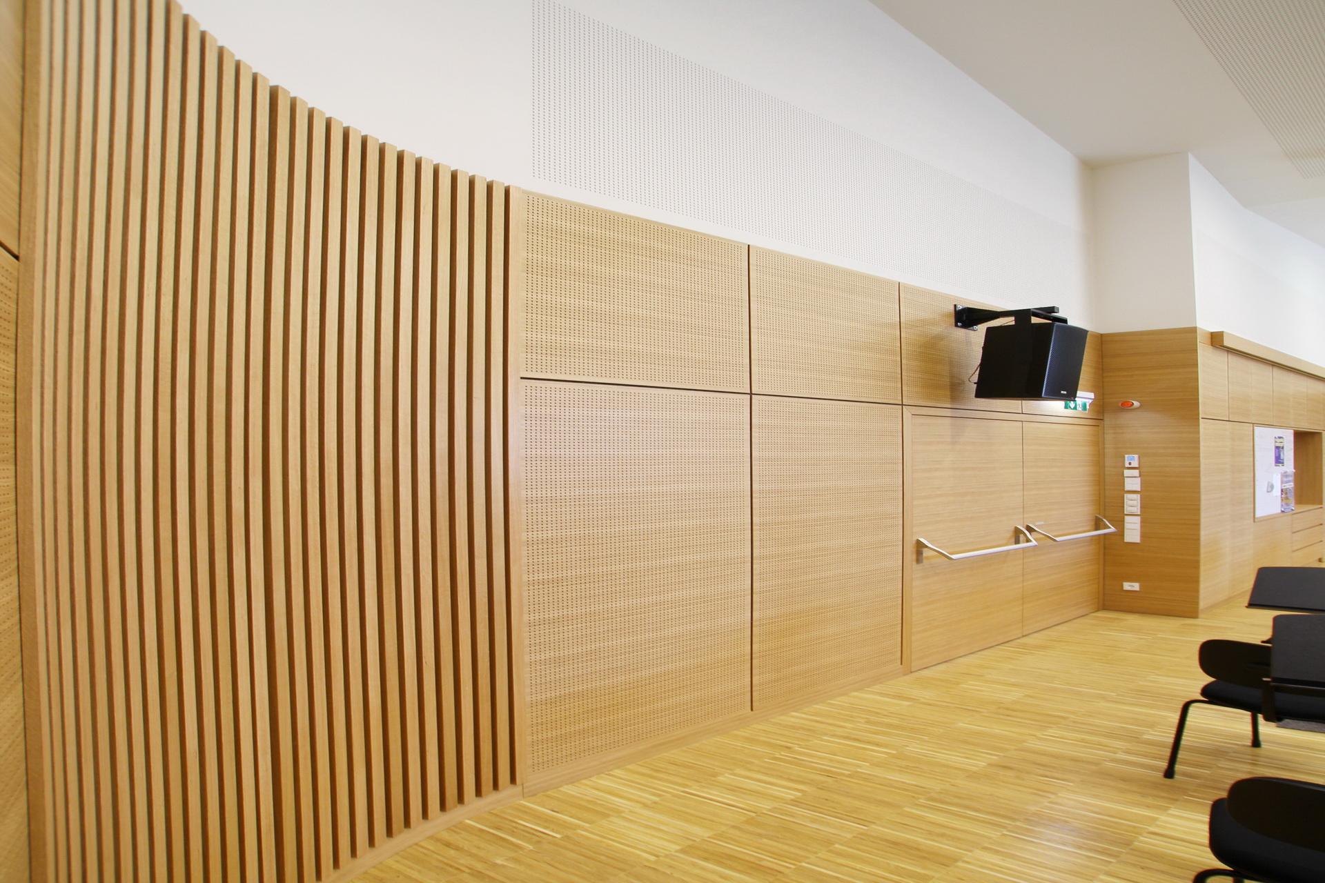 Wandverkleidung_Holz2